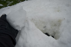Build your own snow igloo - insert last piece