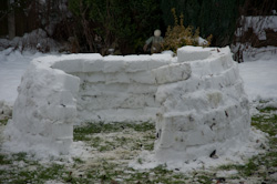 Build your own snow igloo - halfway